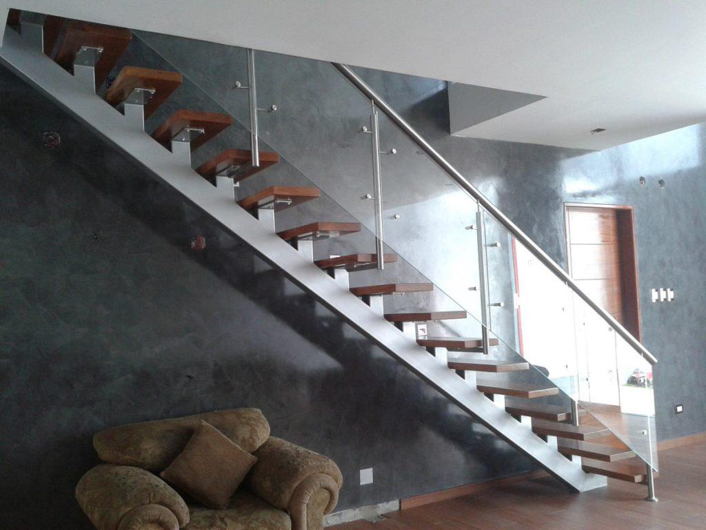 Barandas y parapetos de cristal templado en lima per - Materiales para escaleras ...